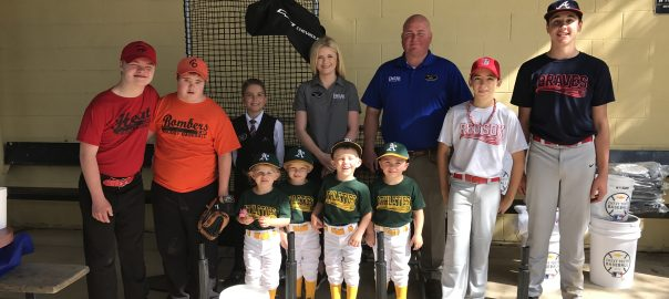 Paris Chevrolet Buick GMC goes to bat for Paris Optimist Club
